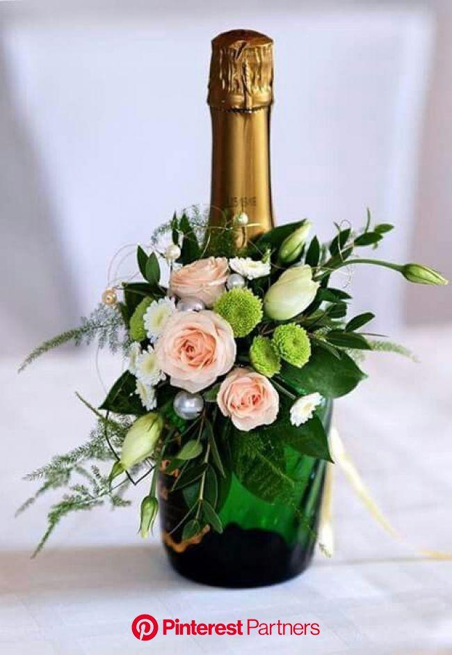 10 atemberaubende Blumenarrangements # Bastelideen # Bastelprojekte #Blumen #Blu … - geschenke-ideen   Flower arrangements, Floral centerpieces, Flora