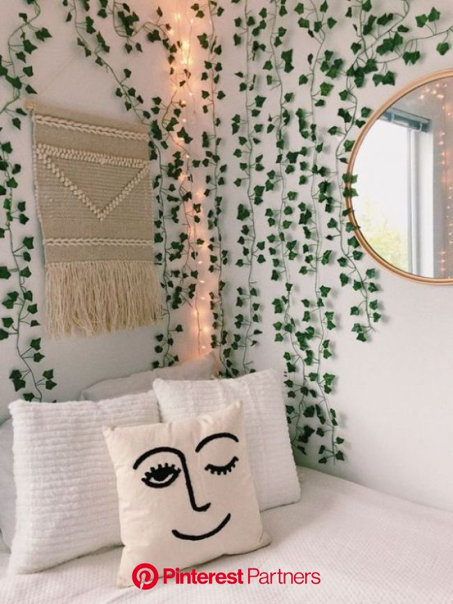 10 Dorm Decorations You Need To Make Your Room Into A Garden Oasis | Room decor, Aesthetic room decor, Room inspiration