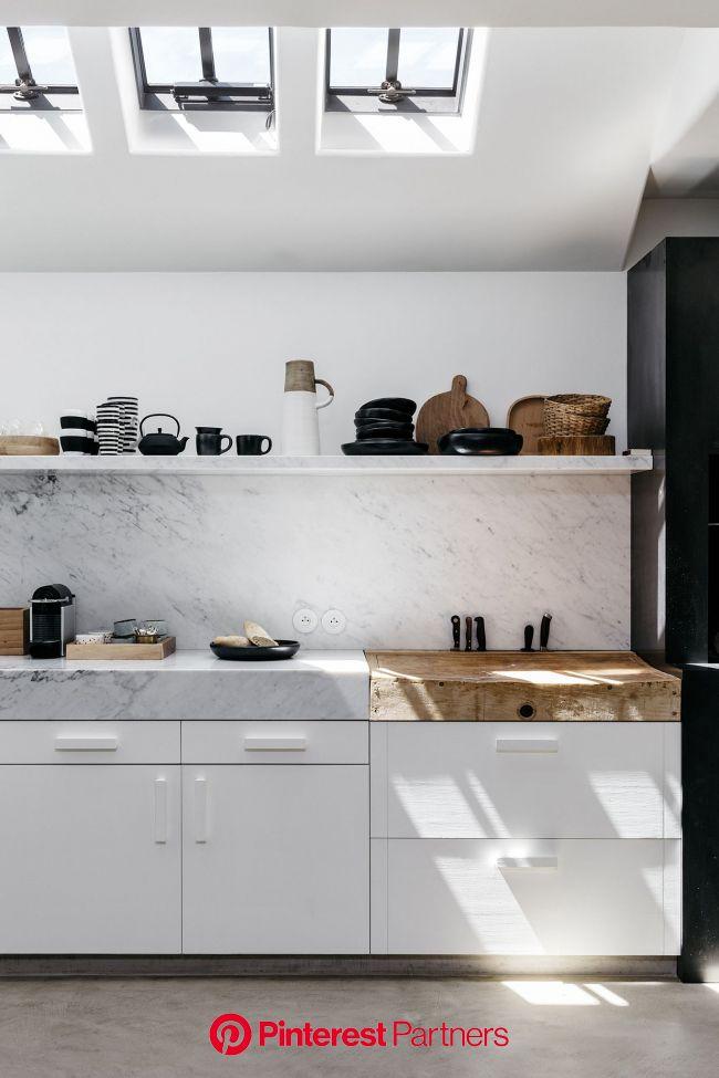 House Tour :: This Belgian Home Is The Perfect Cozy, Clean Slate for Winter (con immagini)   Interni della cucina, Progetti di cucine, Ristrutturazion