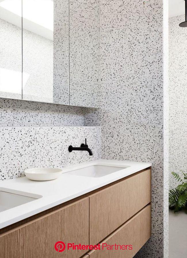 Parede de banheiro com revestimento Granilite | Marmorite, Granilite, Azulejo banheiro