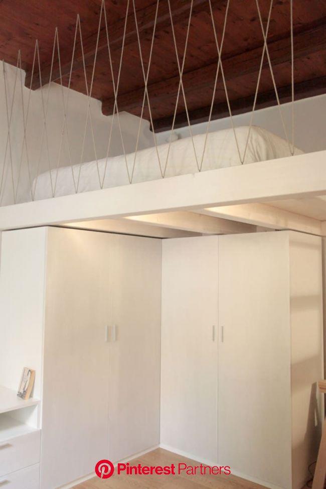 Alfredo Borghi, Cecilia Carattoni, Tipi Studio · Casa R   Loft railing, Small studio apartments, Mezzanine bed