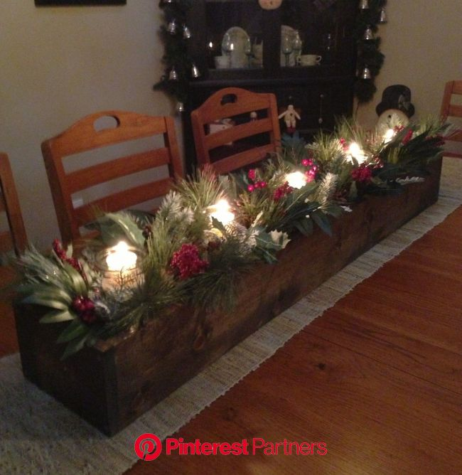 I thought I'd share with you what I made yesterday afternoon. I had seen some p… | Christmas centerpieces, Christmas table centerpieces, Christma