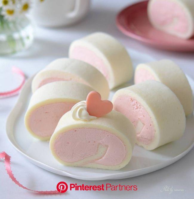 * . *White swiss roll(strawberry cream) * . . いちごクリームのホワイトロールケーキ。 1個試食して、あとはお友達家族にお届けします。 . . . . . #ホワイトロールケーキ  #白いロールケー… | Cafe food, Yummy food des