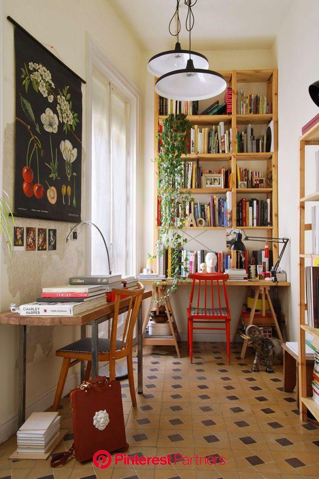 En casa del diseñador de joyas Andrés Gallardo y su marido | Eclectic home, Home decor, House interior