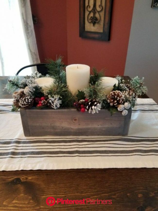 20+ Elegant DIY Christmas Decor Ideas With Vintage Style in 2020 | Christmas centerpieces, Christmas table decorations, Christmas table centerpieces