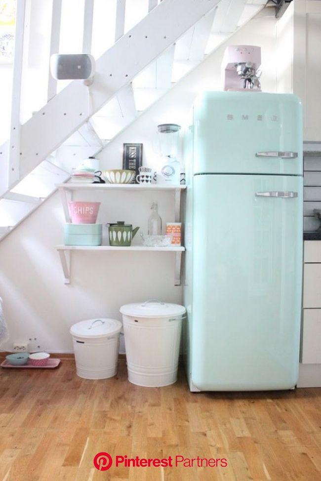 Tendance : le frigo Smeg - Frenchy Fancy | Meuble sous escalier, Maison rétro, Frigo vintage