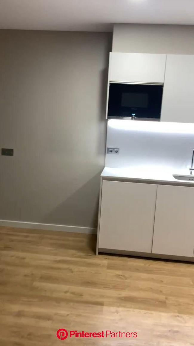 Reforma integral de piso [Video] en 2020 | Estilo de cocina, Muebles de cocina rusticos, Diseño de interiores de cocina