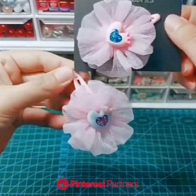 Paps e Moldes de Artesanato [Vídeo] [Vídeo] (com vídeos)   Diy flores de tecido, Laços de tecido, Laços para cabelo de boutique