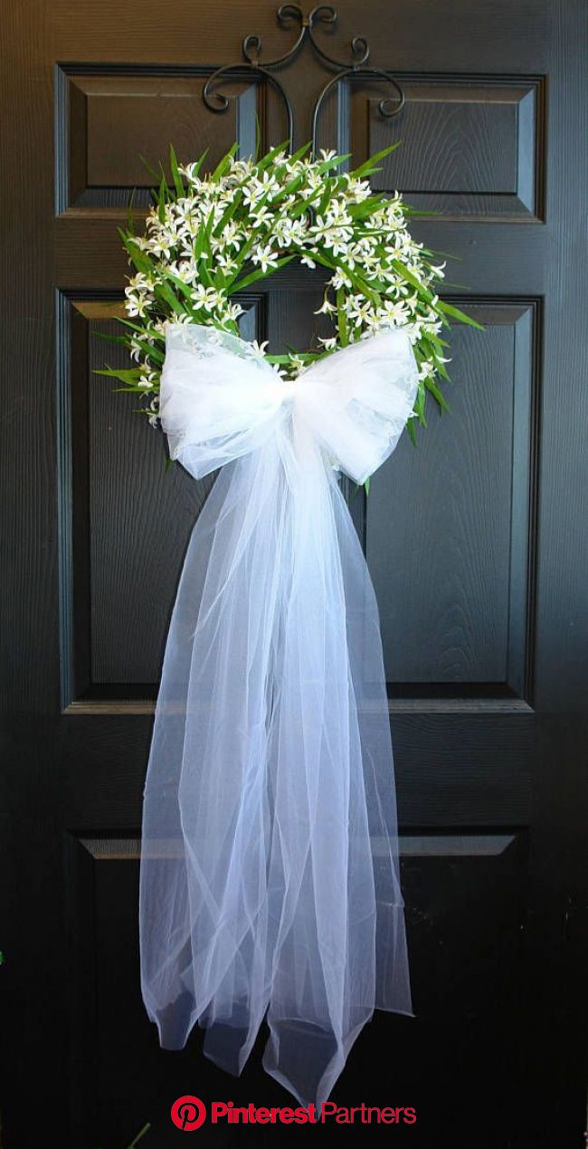 Pin by Iby on milsa   Bridal shower wreaths, Wedding door decorations, Wedding wreaths