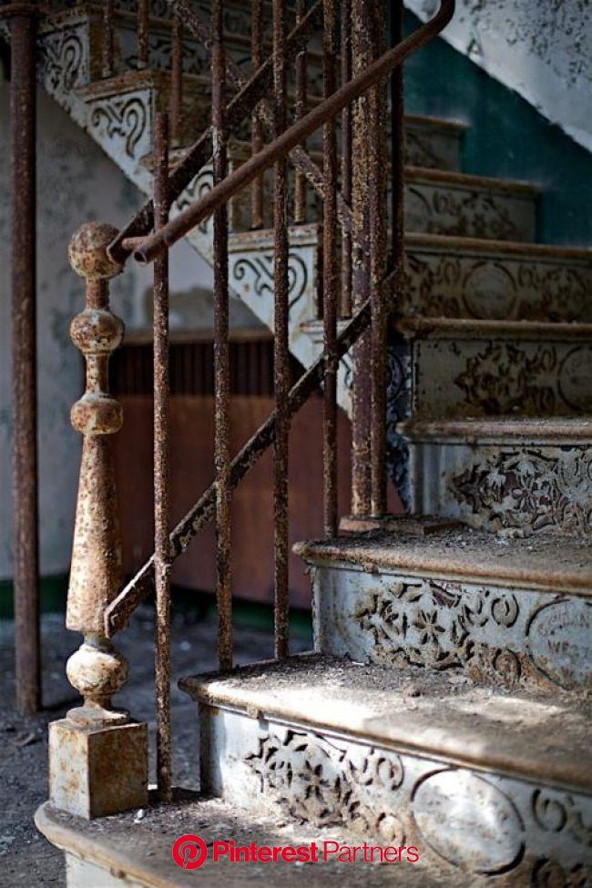 「アート」おしゃれまとめの人気アイデア|Pinterest|seiko | ビクトリアンハウス, 美しい階段, 写真 インテリア