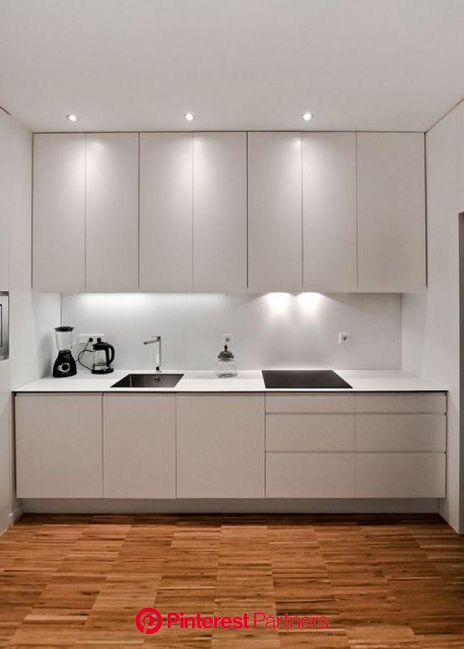 Reforma de apartamento de 40m2 en Malasaña, Madrid. Arquitecto: Pablo Echávarri Santos. Nov 2013. | Kitchen room design, Kitchen furniture design, Kit