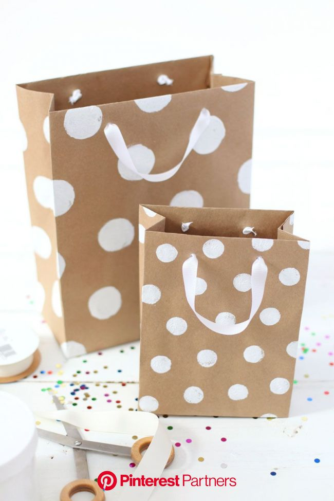 How To Make Professional-Looking Gift Bags (With images) | Gift bags diy, Paper gifts, Diy wrapping paper