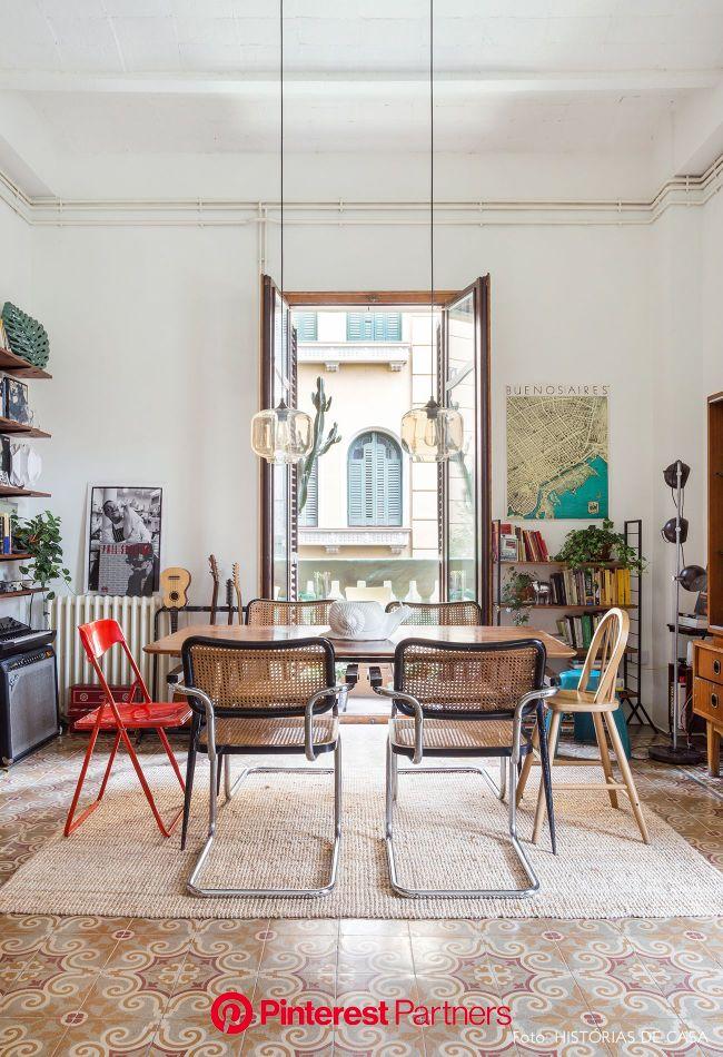 Um lar em Barcelona | Interior de design, Apartamentos antigos, Interiores de casas