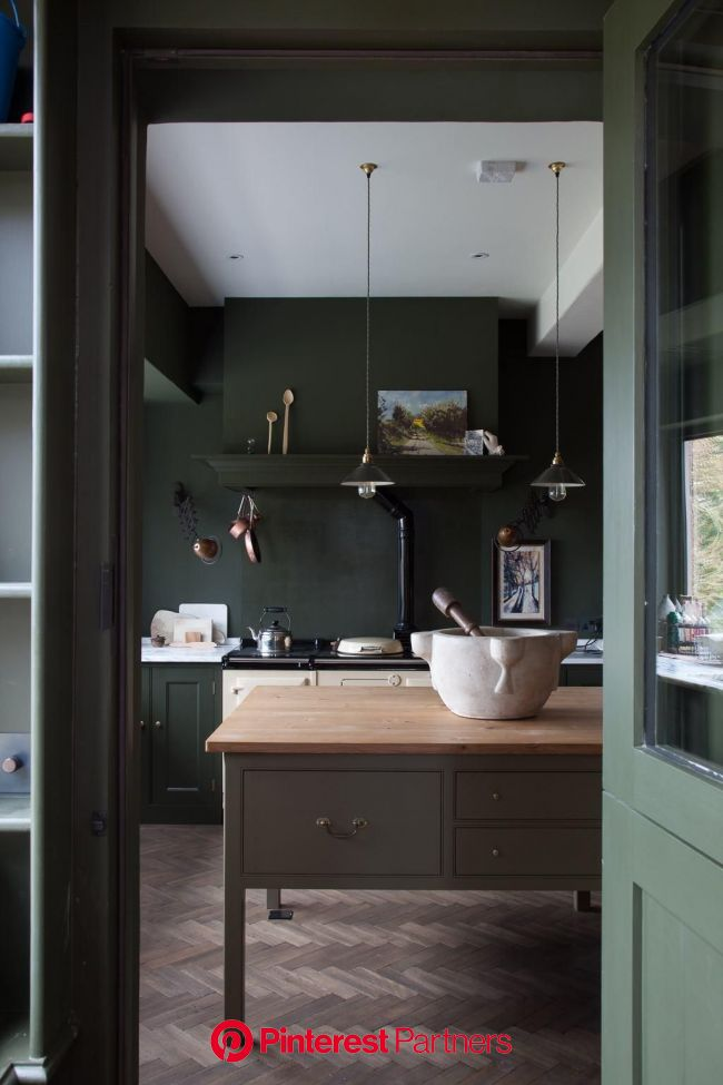 Kitchen of the Week: A Historic Kitchen in Shropshire, Recast in Monochrome Green | Dark green kitchen, Green kitchen island, Interior design kitchen