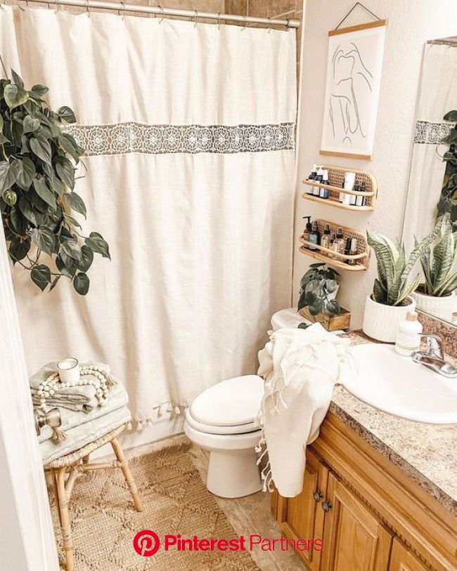 50+ BEST Bathroom Decorating Ideas on a Budget | Of Life and Lisa | Bathroom decor apartment, Small bathroom decor, Boho bathroom decor
