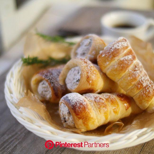 「「ざくざくクッキークリームコロネ。トースター&HMで簡単! - macaroni」[動画] | レシピ」[動画] | レシピ, 料理 レシピ, 手作りパンレシピ
