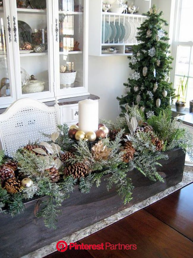 Lovely centerpiece | Christmas table decorations, Christmas centerpieces, Christmas decorations