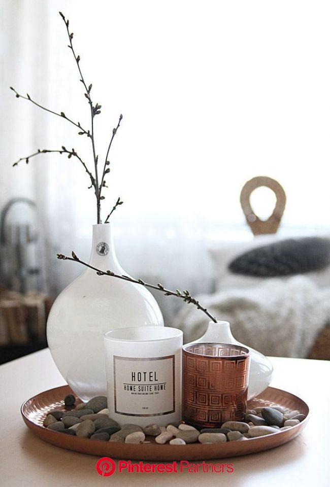Koppar- och marmortrenden | Buddha decor, Home office table, Decorating coffee tables