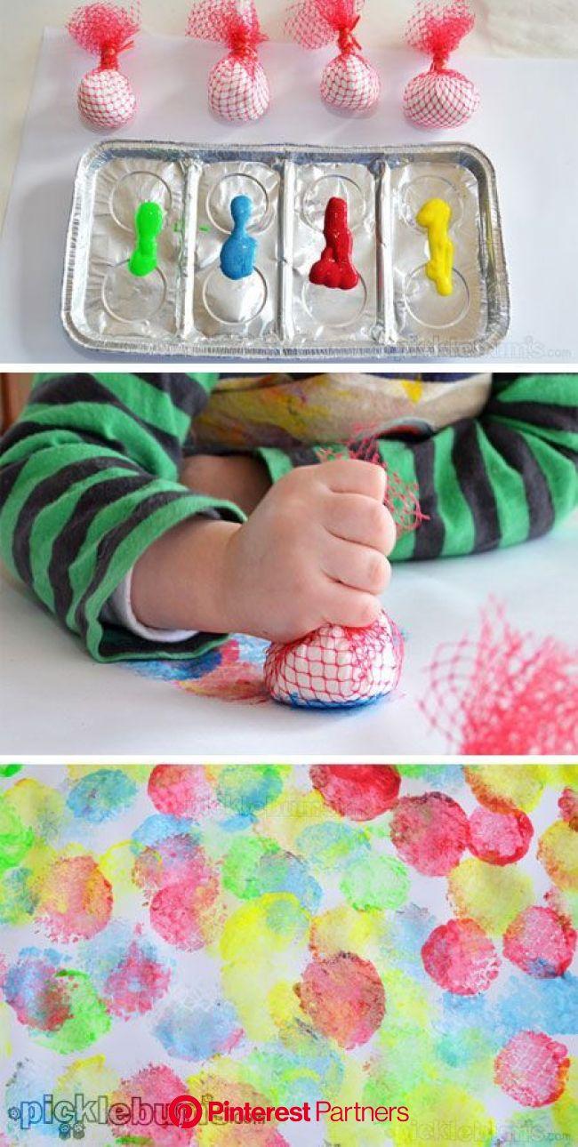 Mesh Dabbers - an easy art activity for little hands. | Toddler art, Preschool art, Art activities