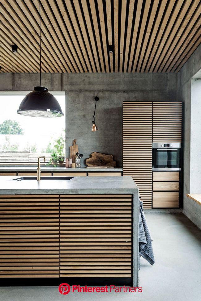 Der er feriestemning året rundt i betonhuset på den lille ø Thurø ved Svendborg | Betonhus, Køkken inventar design, Husdesign