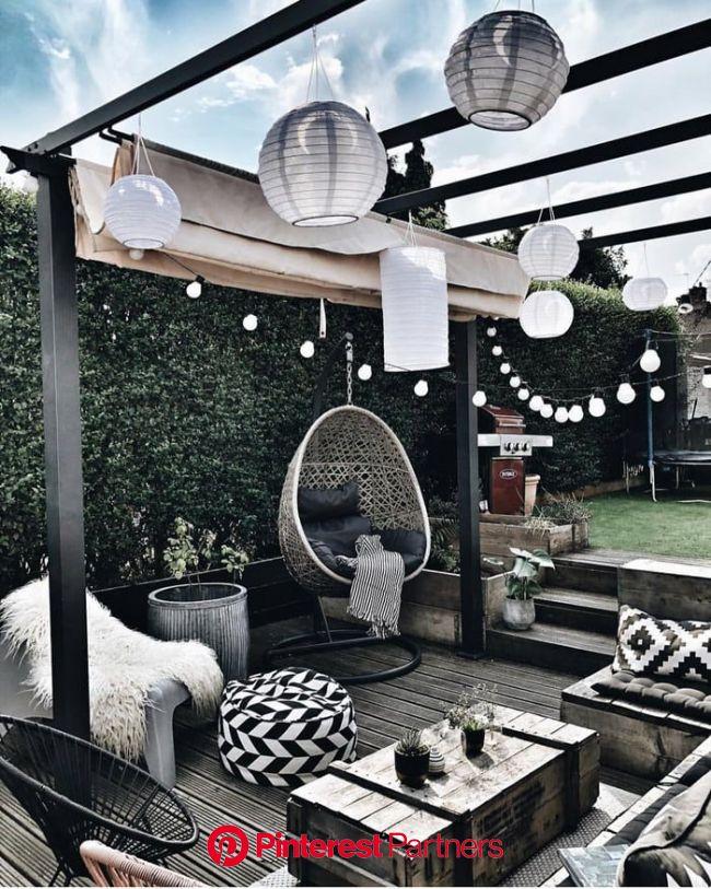 Place for reading book with a cup of tea.   Patio design, Backyard decor, Backyard patio