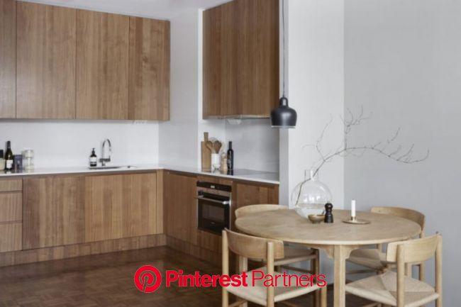 Apartment of photographer Emily Laye(이미지 포함) | 원형식탁, 부엌 아이디어, 인테리어