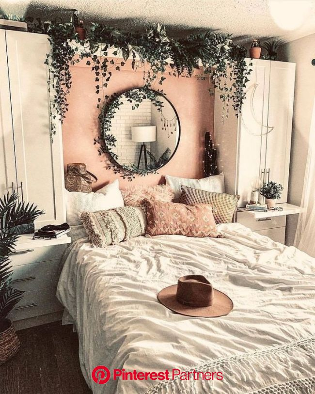 How Can You Achieve a More Eco-Friendly Bathroom?   Urban outfiters bedroom, Room inspiration, Aesthetic rooms