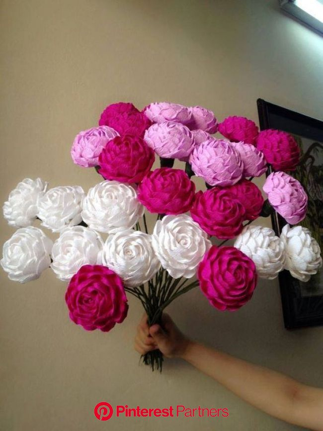 Lots of video tutorial how to make paper flower step by step here: https://www.youtube.com/watch?…   Paper flowers craft, Paper flowers diy, Paper flo