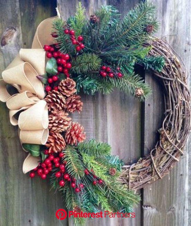 クリスマスシーズンに最適!どんぐりや松ぼっくりを使った簡単ハンドメイド♪ | キナリノ | ホリデーリース, 祝日, レトロなクリスマス