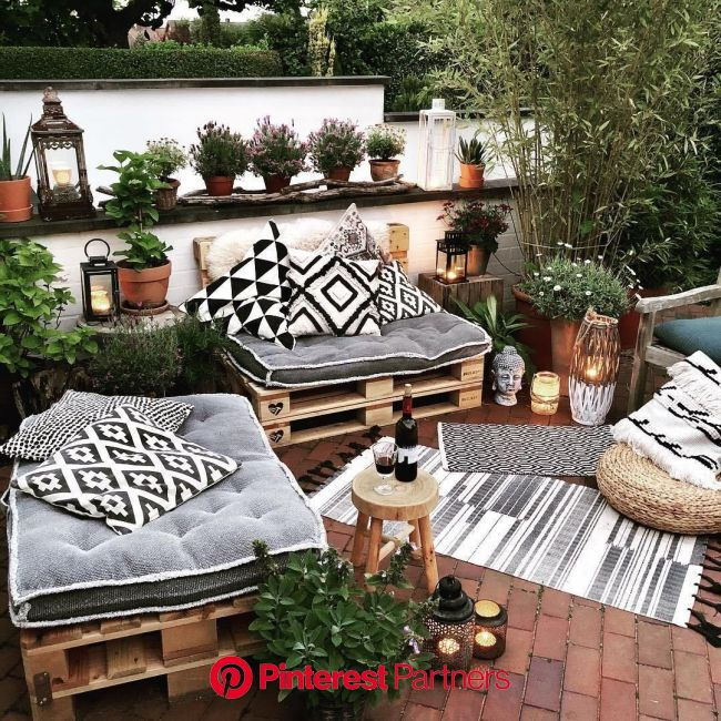 24 Cheap Backyard Makeover Ideas You'll Love | Extra Space Storage | Cheap backyard makeover ideas, Backyard decor, Cheap backyard