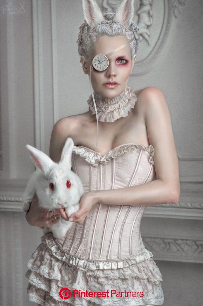 Photographie, Divers dans Gens, Personnage, Model: Tanya MUA: Elvira Savchu… | Alice au pays des merveilles lapin, Alice au pays des merveilles, Pays