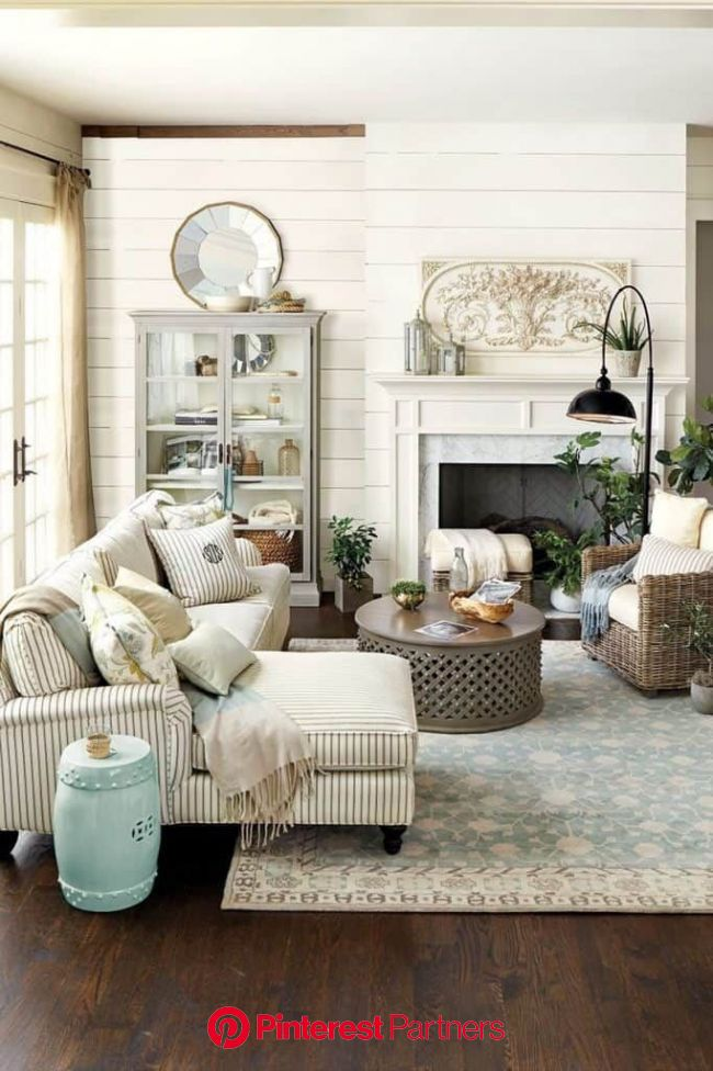 29 Farmhouse Living Room Ideas in 2020 - A Charming Style (With images) | French living rooms, Modern farmhouse living room decor, Farmhouse decor liv