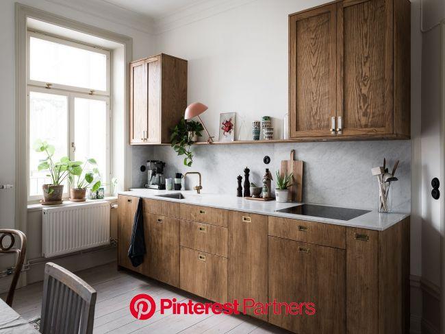 LJUVLIG JUGEND MED TVÅ KAKELUGNAR OCH BALKONG (With images) | Teal kitchen decor, Modern kitchen, Kitchen trends