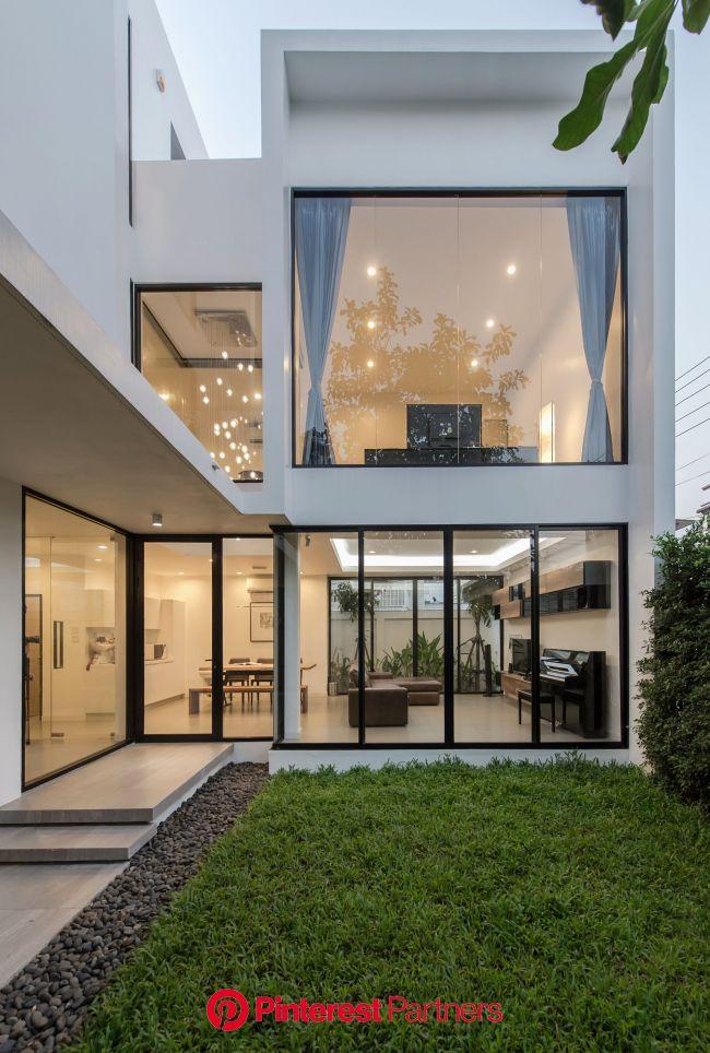 Kradoan House / Thiti Ophatsodsai | House designs exterior, Modern house exterior, Modern house design
