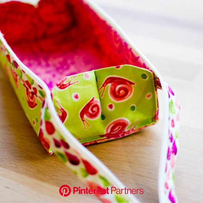 Zola Pen Case {free sewing pattern} | Pencil case sewing, Sewing patterns free, Pencil case pattern