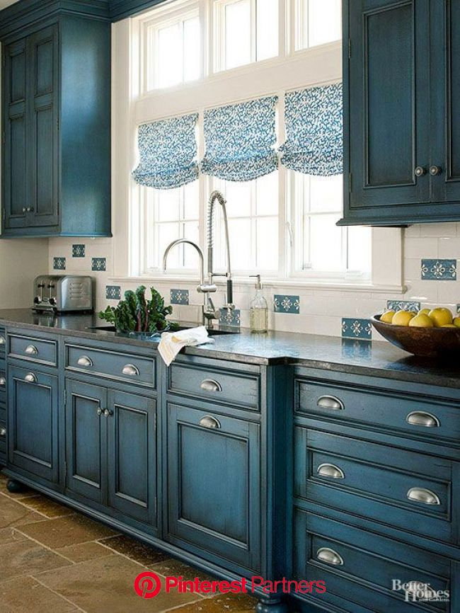 Kitchen Makeover: Small-Space Blue Kitchen Makeover | Home kitchens, Farmhouse kitchen cabinets, Kitchen cabinets makeover
