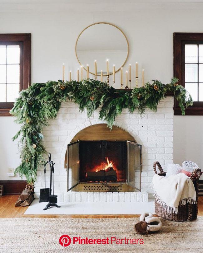 @近藤麻理恵: Considering how much care we take to entertain company – with specially prepared… | クリスマス 暖炉, クリスマスの家, 装飾のアイデア