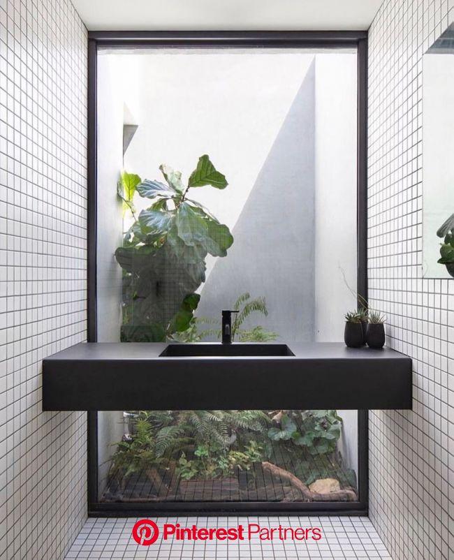 9 Budget friendly Bathroom Decoration Ideas | MYMOVE | Cabin bathrooms, Architect design, Home interior design