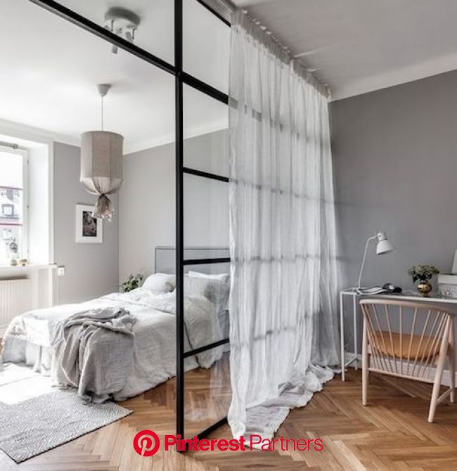 Aménager 20m2 : 10 astuces indispensables - ClemAroundTheCorner | Idée déco studio, Rideaux chambre à coucher, Deco appartement