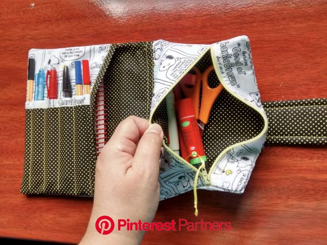 20 Ideias de Artesanato para Estojo Escolar de Tecido | Bag patterns to sew, Small sewing projects, Sewing projects