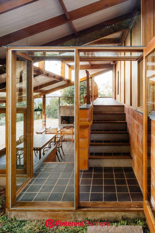 Half-Slope House / Denis Joelsons + Gabriela Baraúna Uchida | House, Architecture house, Mid century modern house