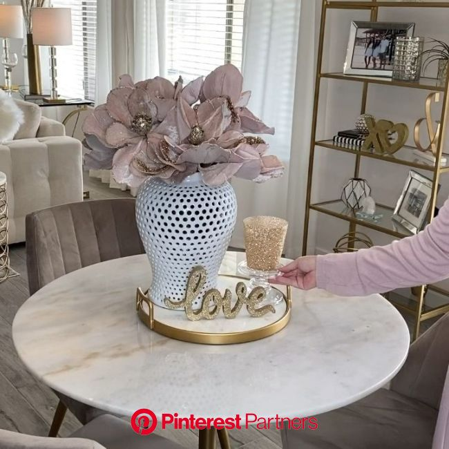 Super simple valentines decor ideas! Diy, budget decor and weekly styling tutorials @lisaherland on … [Video] in 2020 | Tropical home decor, Diy on a