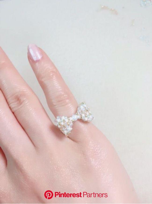 リボンのリングの作り方 | Beaded jewelry, Beaded rings, Diy crafts jewelry