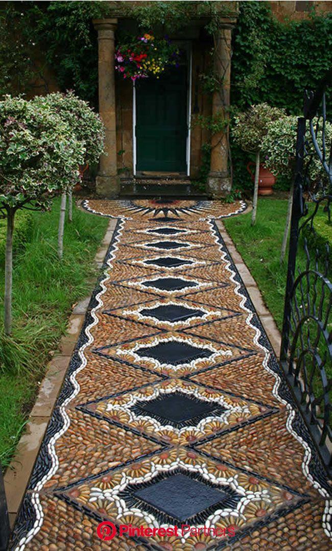 Pebble Pathways(画像あり) | 小石モザイク, 前庭の造園, 庭のプロジェクト